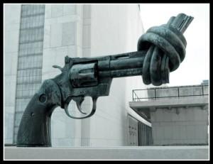 Anti-gun-sculpture